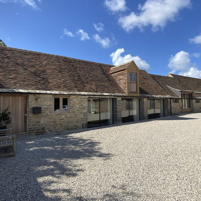 4/5 bedroom barn conversion Nr Corfe Castle OIRO £2,600 pcm  ** UNDER OFFER - STC **