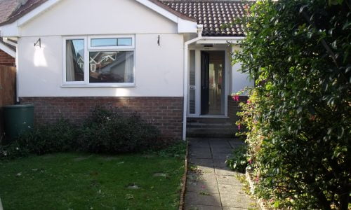 2 bedroom bungalow   Swanage  £850pcm   ** UNDER OFFER  – STC **